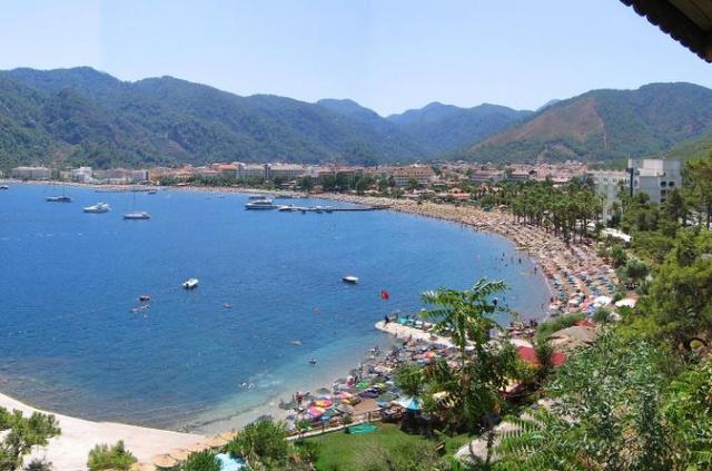 Turgut Köyü Muğla'da eşsiz kıyısı, tarihi ve doğal güzellikleriyle Türkiye'de turizm bakımından önemli bir yere sahiptir. Muğla'nın bu küçük sayfiye yeri olan köy, bozulmamış doğallığıyla Marmaris'in incisi halinde yer almaktadır.