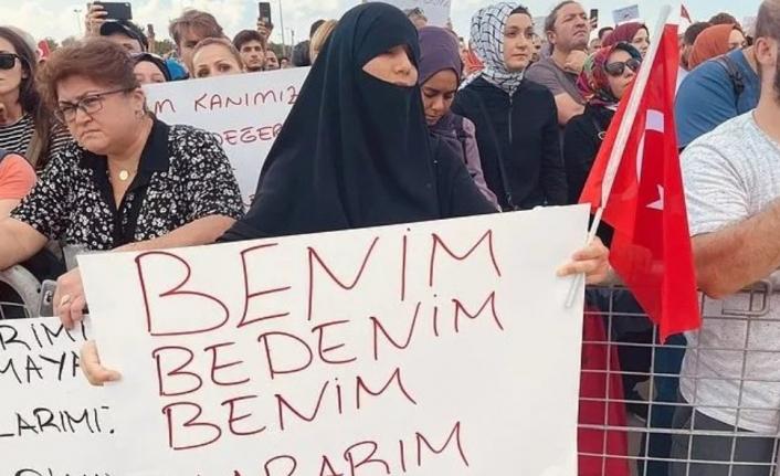 Aşı Karşıtlarından İzmir Mitingi!