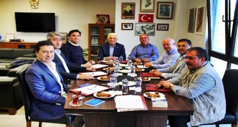CHP'Lİ BELEDİYE BAŞKANLARI BİR ARAYA GELDİ