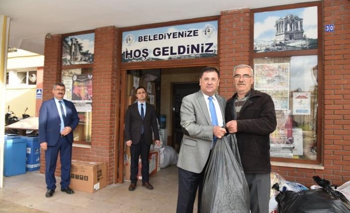 Deprem için Milas'ta Toplanan Yardımlardan İlk Kamyon Yola Çıktı!