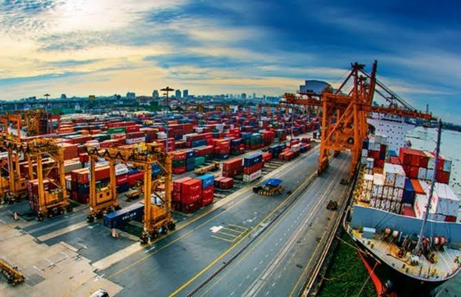 Dış Ticaret Açığı Aralık'ta 4.33 Milyar Dolar Oldu