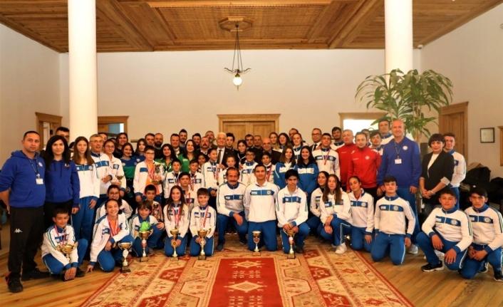 Muğla'nın Başarılı Sporcuları Başkan Gürün'ü Ziyaret Etti