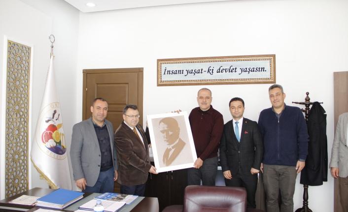 TÜM YEREL-SEN Başkan Uzundemir'i Ziyaret Etti