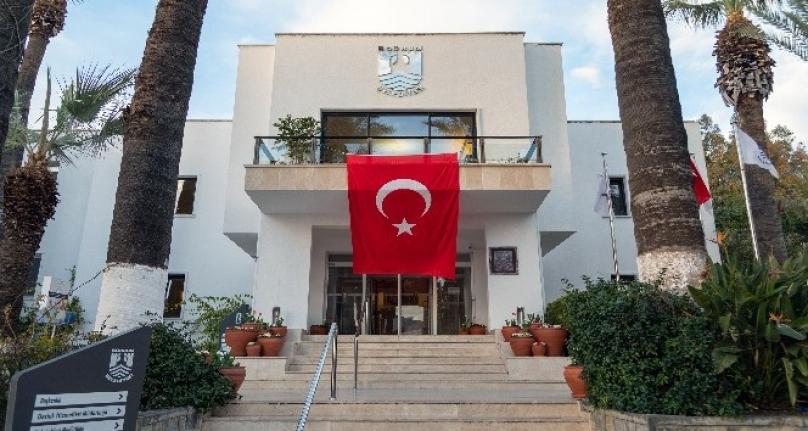 Başkan Aras'tan Türk Bayrağı Çağrısı