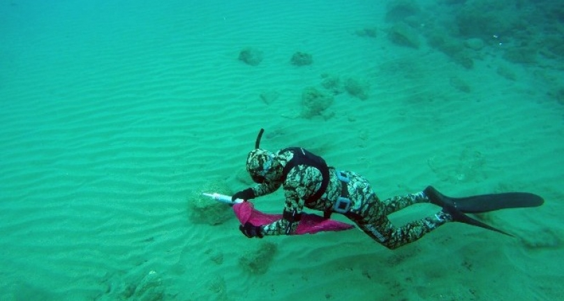 Bodrum'da Deniz Dibi Temizliğine Sahil Güvenlik Ekibi Katıldı