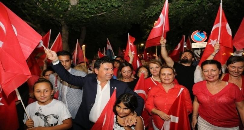 Bodrum Sokakları Türk Bayraklarıyla Donatıldı