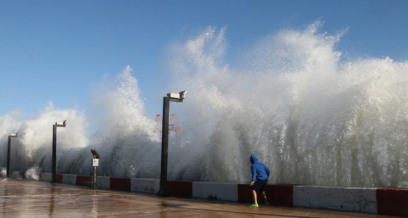 Ege Denizi'nde Fırtına Alarmı!