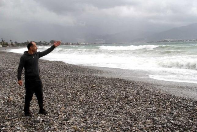 Fethiye'de Şiddetli Rüzgar Yüksek Dalgalar Oluşturdu