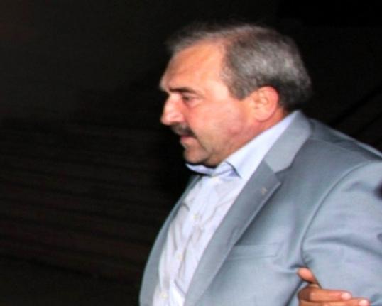 Firari Başkan Sahte Kimlikle Fethiye'de Yakalandı!