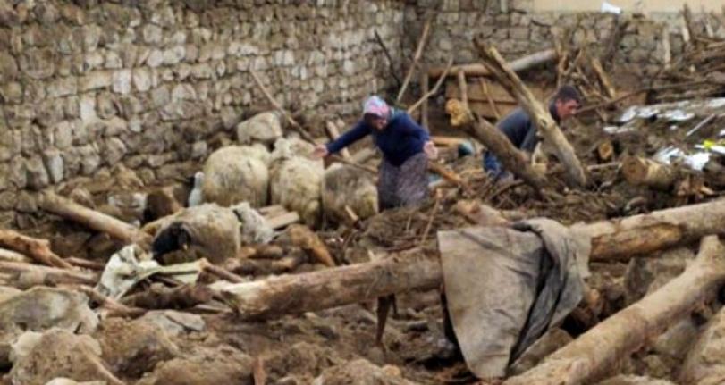 İran'da Meydana Gelen Deprem Van'ı Vurdu: 7 Ölü!