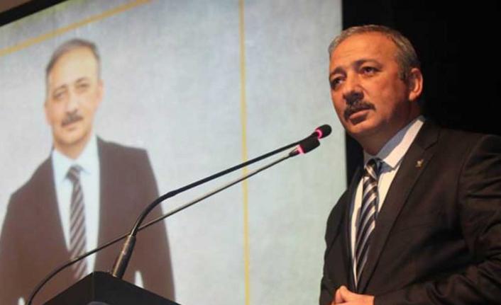 """Kadem Mete'den CHPli Zeybekoğlu'na: """"Siyasi Tiyatro Oynamayı Bırakın"""""""