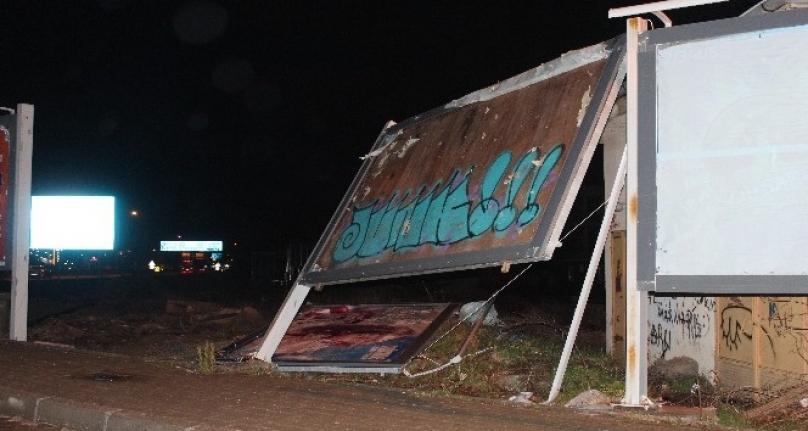 Muğla'da Etkili Olan Fırtına Menteşe'yi de Vurdu!
