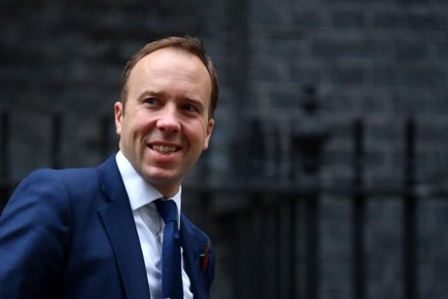 İngiltere Sağlık Bakanı Matt Hancock da Koronavirüse Yakalandı