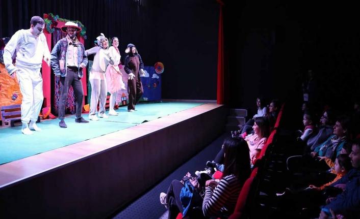 Menteşe Belediye Tiyatrosu'ndan Çocuklar İçin Tiyatro Oyunu