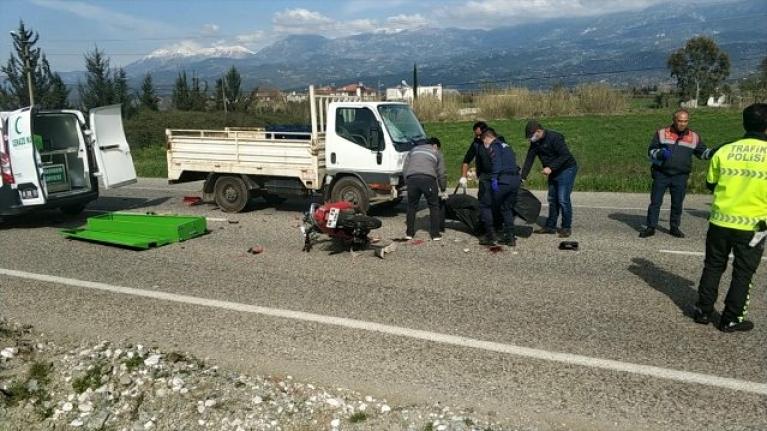 Muğla'da Kamyonetle Çarpışan Motosikletin Sürücüsü Öldü