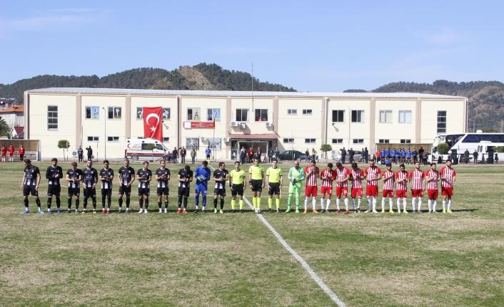 Ortaca Belediyespor Futbolcuları Şehitleri Unutmadı!