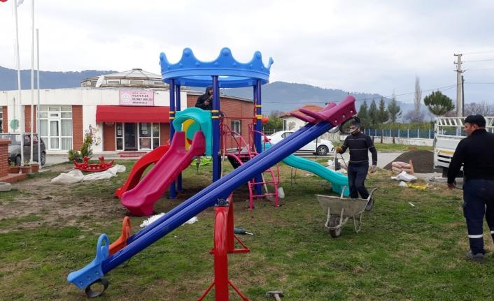 Ortaca'da Okul Bahçelerine Oyun Grupları Kuruldu