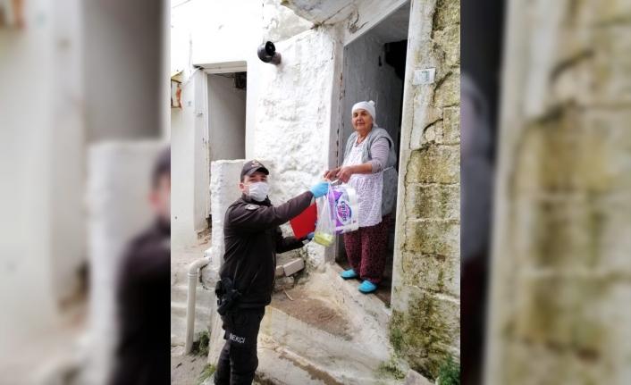 """Muğla Valisi Civelek: """"10 Bin 372 Ailenin İhtiyacı Karşılandı"""""""
