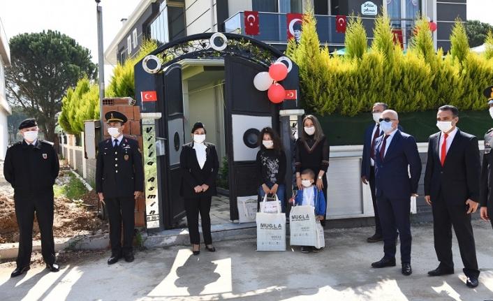 Vali Civelek'ten 23 Nisan Ziyareti