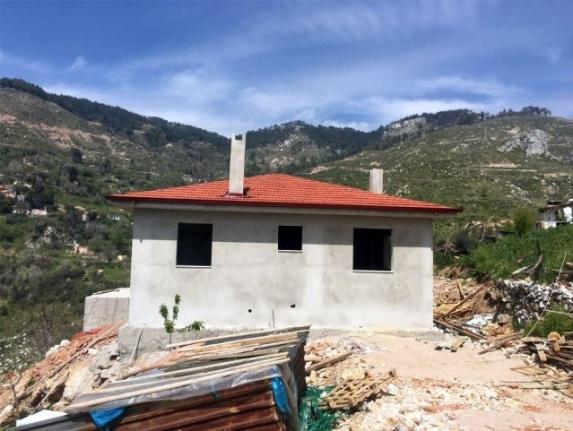 Zeytinköy'deki Afetzedeler İçin Yapılan 8 Konutun İnşaatı Sürüyor