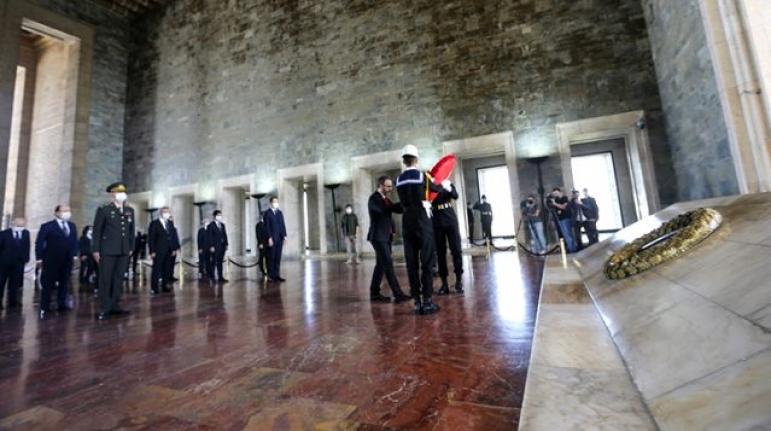 Devlet Erkanı Ata'nın Huzurunda! İlk Ziyaret Kasapoğlu'ndan