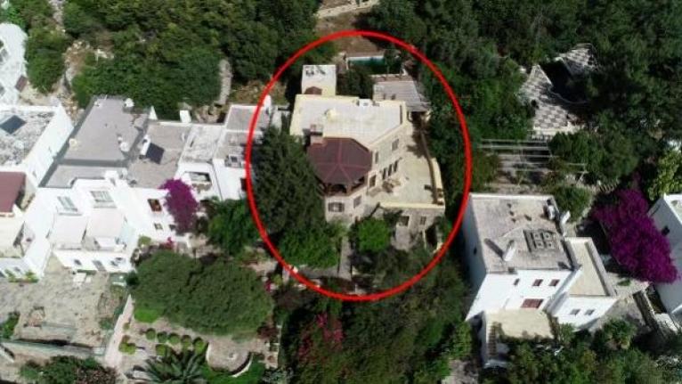Firari Can Dündar'ın Villasının Bir Kısmı Hazine Arazisinde Çıktı
