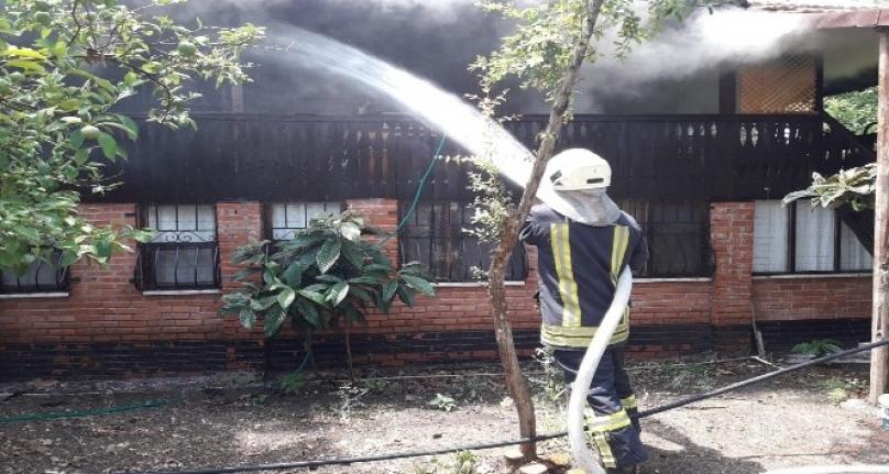 Fethiye'de İki Katlı Ahşap Evde Yangın Çıktı!