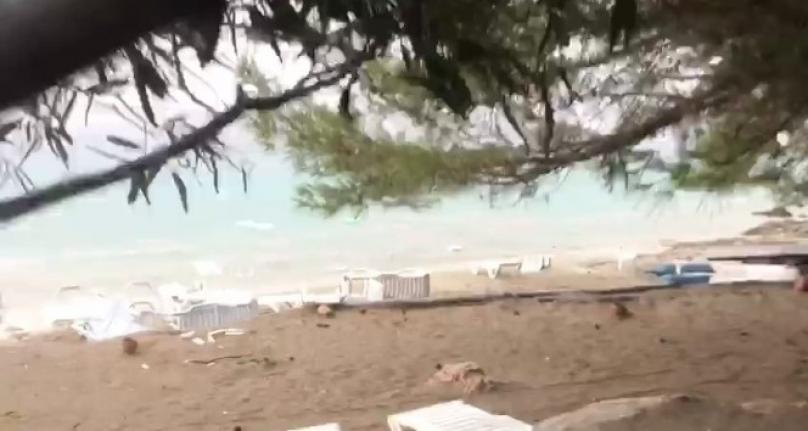 İncekum Plajı'nda Çıkan Hortum Hasara Neden Oldu!