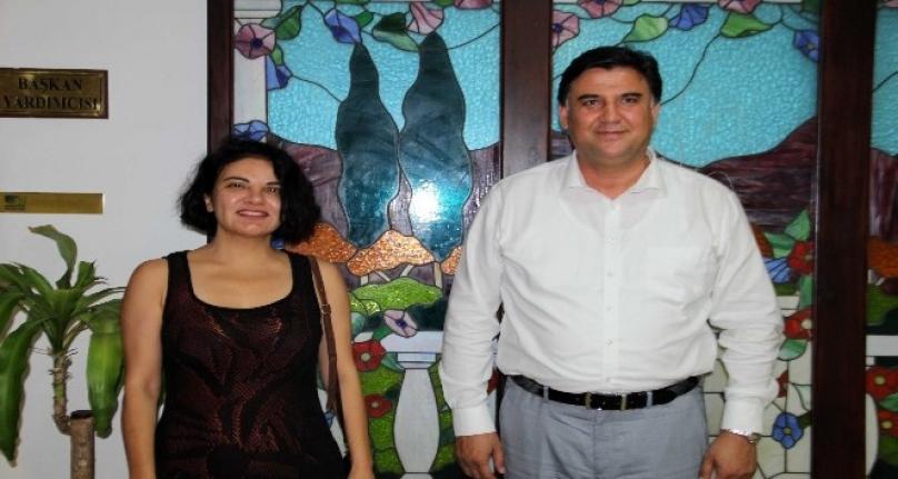 Sanatçı Göksel Başkan Karaca'yı Ziyaret Etti