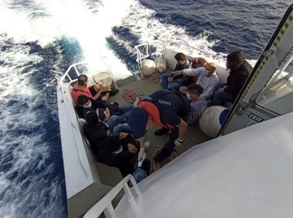 Yunanlıların Ölüme Terk Ettiği Göçmenleri Türk Sahil Güvenliği Kurtardı