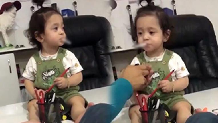 Bir Skandal Daha: Baba 2 Yaşındaki Kızına Sigara İçirdi!
