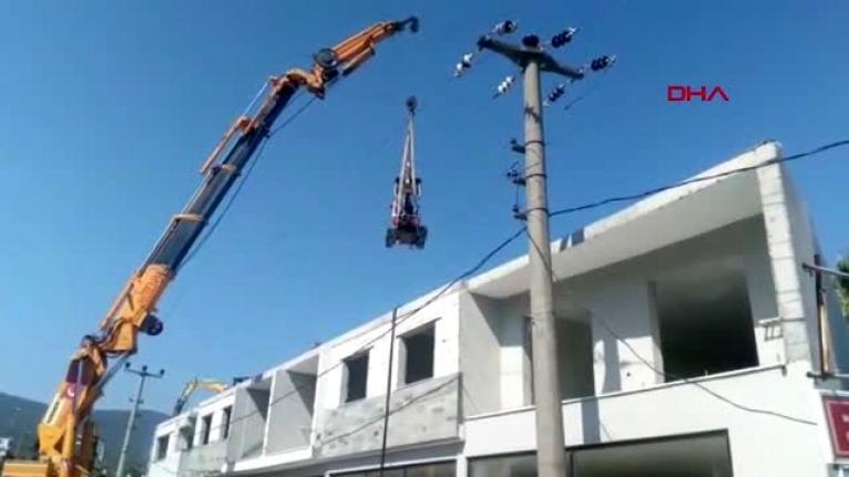 Bodrum'da Binaların Kaçak Katları Yıkılıyor