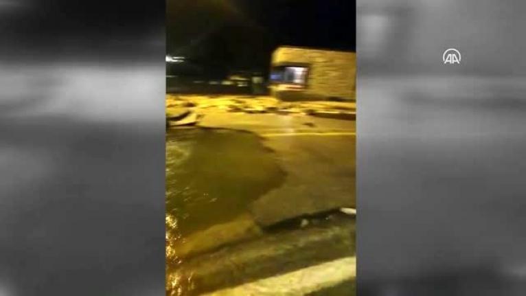 Bodrum'da İçme Suyu İsale Hattı Yine Patladı