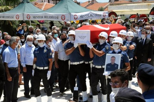 Eskişehir'de Şehit Olan Muğlalı Polis Cengiz Kuloğlu Toprağa Verildi