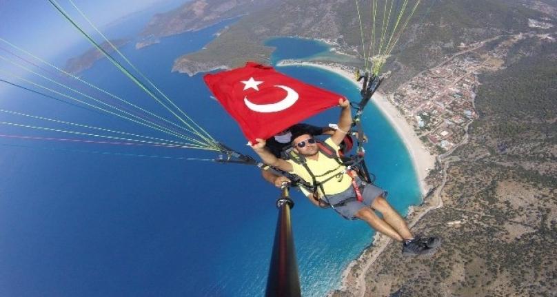 Gazeteciler Basın Bayramını Gökyüzünde Kutladı!