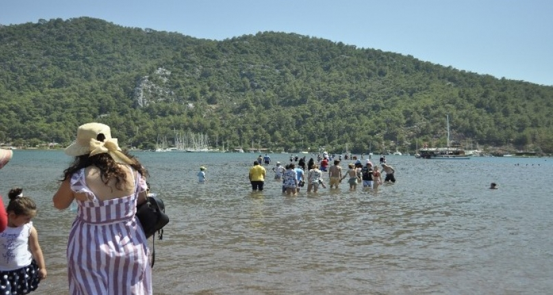 Kızkumu Plajı'na Ziyaretçi Akını