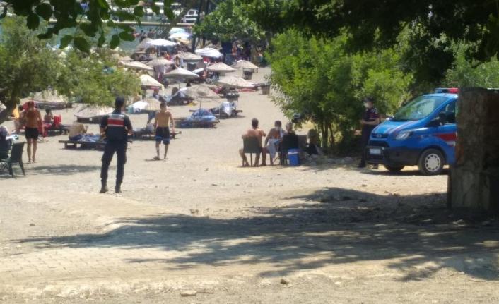 Sarsala Plajı'nda Jandarmanın Maske Denetimleri Sıklaştı!
