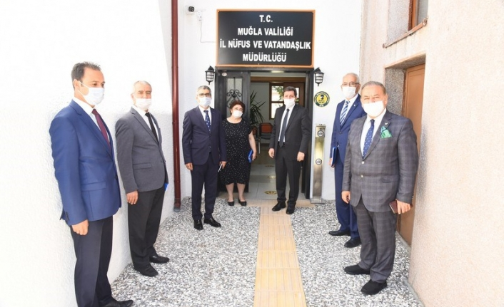 Vali Tavlı İl Nüfus ve Vatandaşlık Müdürlüğünü Ziyaret Etti