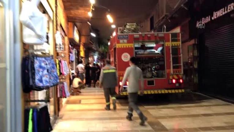 Bodrum'da Mağazada Çıkan Yangın Söndürüldü