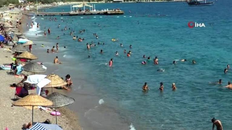 Bodrum Sahilinde Sosyal Mesafe Kuralları Hiçe Sayıldı
