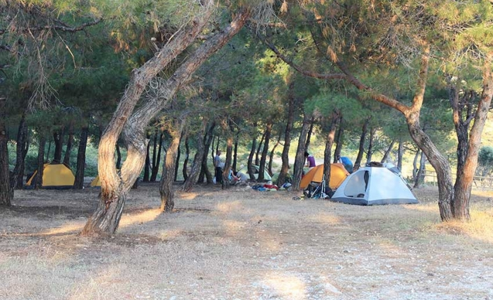 Datça'da, Tatilciler Çadır Kamplara Akın Etti