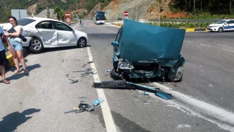 Göcek Tüneli Çıkışında Kaza: 4 Yaralı