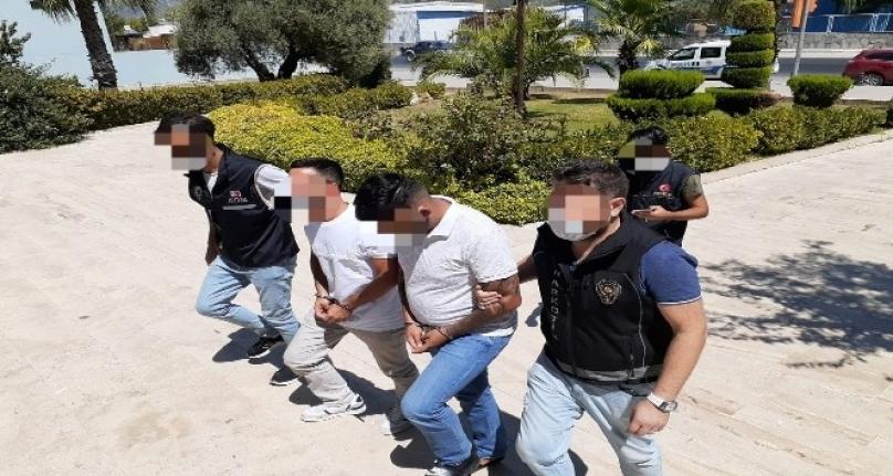 Milas'ta Uyuşturucuyla Yakalanan Şahıslar Tutuklandı