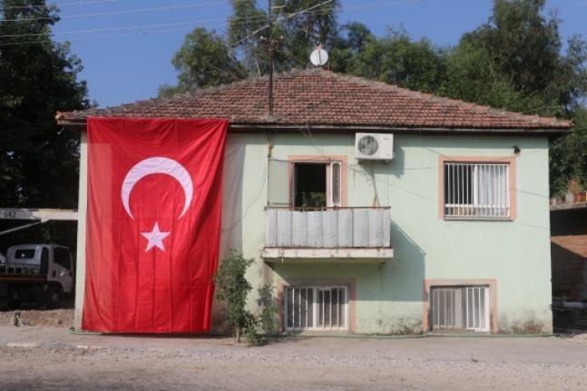 Şehit Olan Özel Harekat Polisinin Acı Haberi Ailesine Verildi