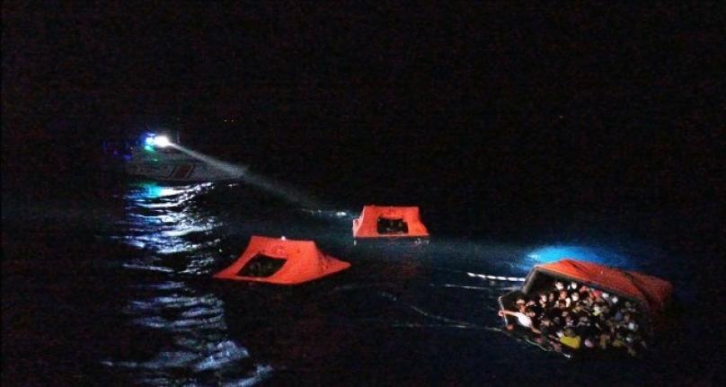 Yunan Sahil Güvenliği Sığınmacıları Türk Karasularına İtiyor