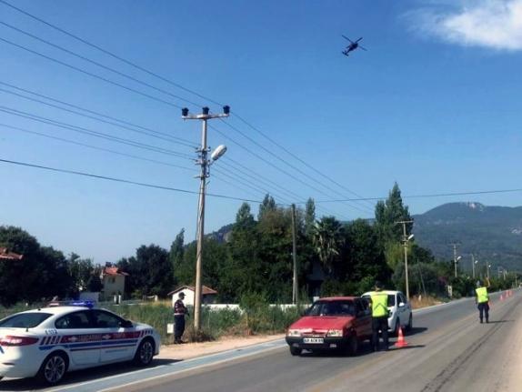 Dalyan'da Jandarmadan Helikopterli Trafik Denetimi