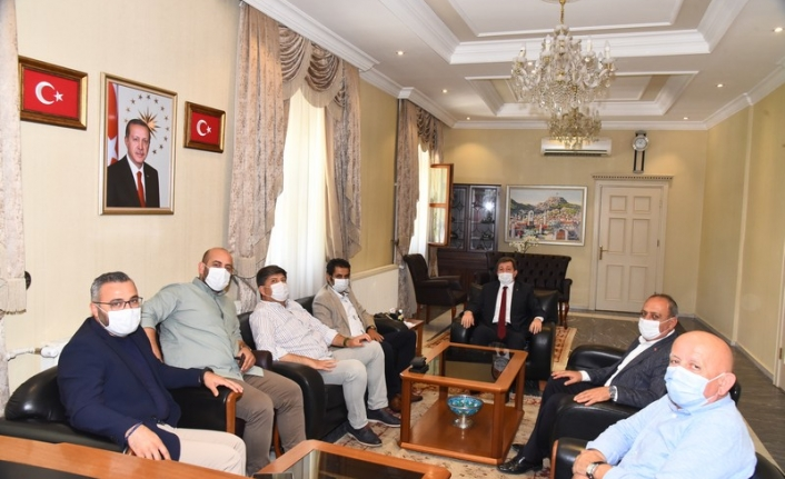 İzmir Milletvekili Hasan Kalyoncu'dan Vali Tavlı'ya Ziyaret