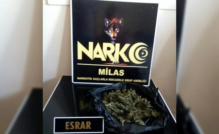 Milas'ta Şüpheli Araçta Uyuşturucu Çıktı