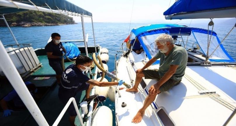 Muğla'da Teknelerden 1 Milyon 396 Bin Litre Pis Su Toplandı