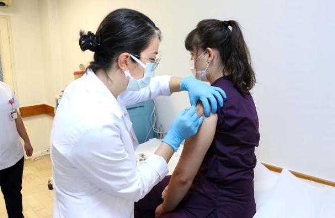 Türkiye'de Korona Aşısında İlk Gönüllü Uygulamasına Ait Görüntüler